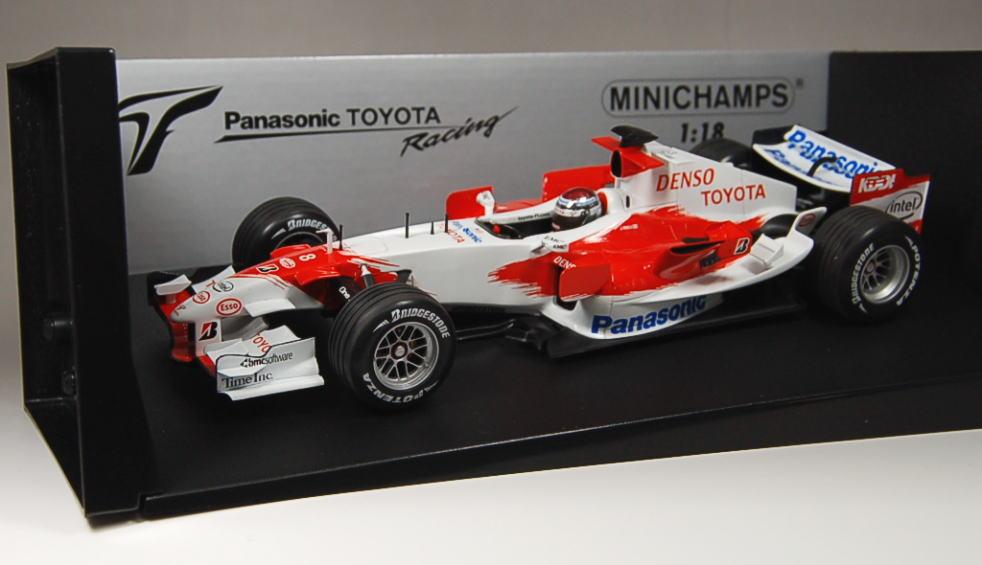パナソニック トヨタ レーシング TF106 (No.8/2006)トゥルーリ 1/18スケール (ミニカー) 商品画像2