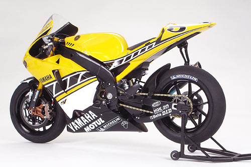 Yamaha yzr m1 50th anniversary us inter color edition for Yamaha m1 for sale