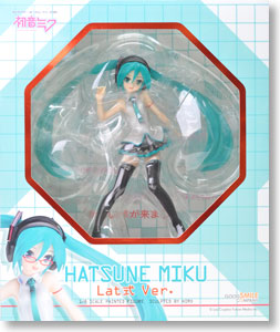 Hatsune Miku Lat-type Ver. (PVC Figure) Package1