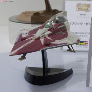 STAR WARS AHSOKA TANO/'S JEDI STARFIGHTER MODEL KIT MADE BY REVELL