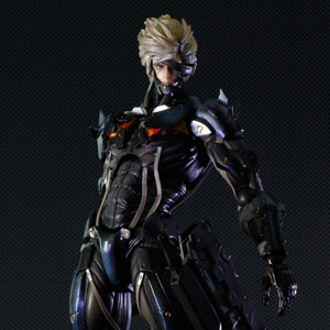 Metal Gear Solid Rising Revengeance Play Arts Kai Raiden (PVC Figure)