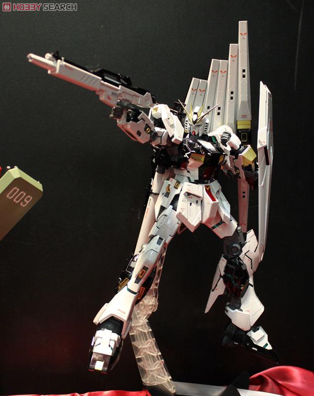 RX-93 νガンダム Ver.Ka チタニウムフィニッシュ (MG)