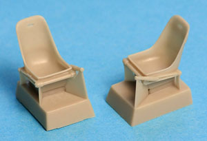 Bf 109 A, B, C, D, E Seat without harness (x2) (Plastic model)