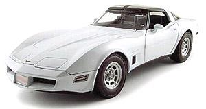 1982 シボレー コルベット クーペ (ホワイト)