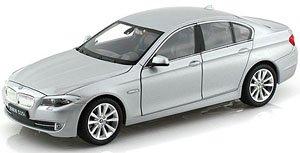 BMW 535I (シルバーグレー)