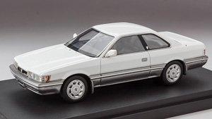 ニッサン レパード アルティマ 1986 (F31) ホワイト2トーン (ミニカー)