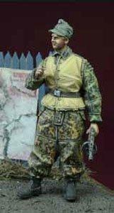 WWII 独 武装親衛隊 下士官 (冬季軍装) 1943-1945 (プラモデル)