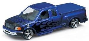 フォード F-150 FLARESIDE スーパーキャブ ピックアップトラック 1999 ローライダー(パープル/ファイヤーパターン) (ミニカー)