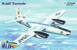米・ノースアメリカンB-45Cトーネード戦術爆撃機・エンジン換装型 (プラモデル)