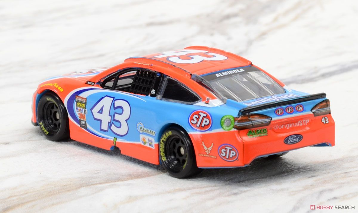 NASCAR Sprint Cup 2017 Ford Fusion STP #43 Aric Almirola (ミニカー)