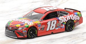NASCAR Cup Series 2017 Toyota Camry SKITTLES #18Kyle Busch (ミニカー)