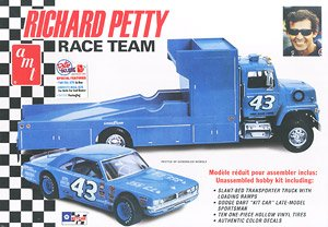Richard Petty Dodge Dart&Trailer (Model Car)