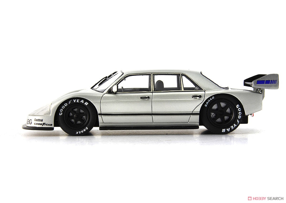 Book of the Year 2018 Sauber - Mercedes W140 (ミニカー)