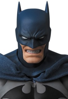 "MAFEX No,105 BATMAN /""HUSH/"" Action Figure MEDICOM TOY 160mm"